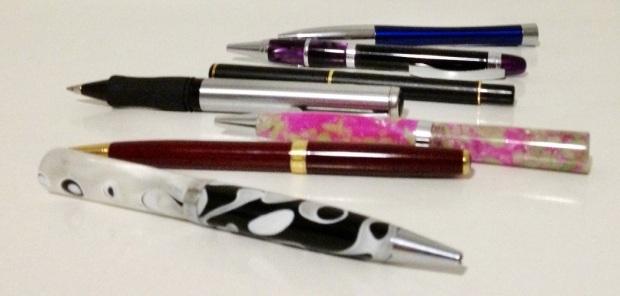 pens (white)