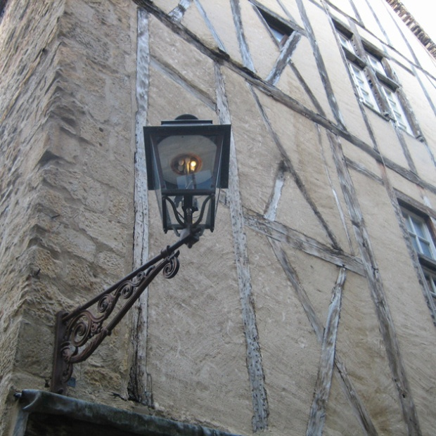 light - sarlat