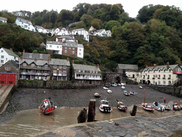 Clovelly_community2
