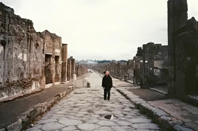 travel90s_pompeii