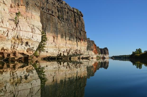cliff-2414418_640
